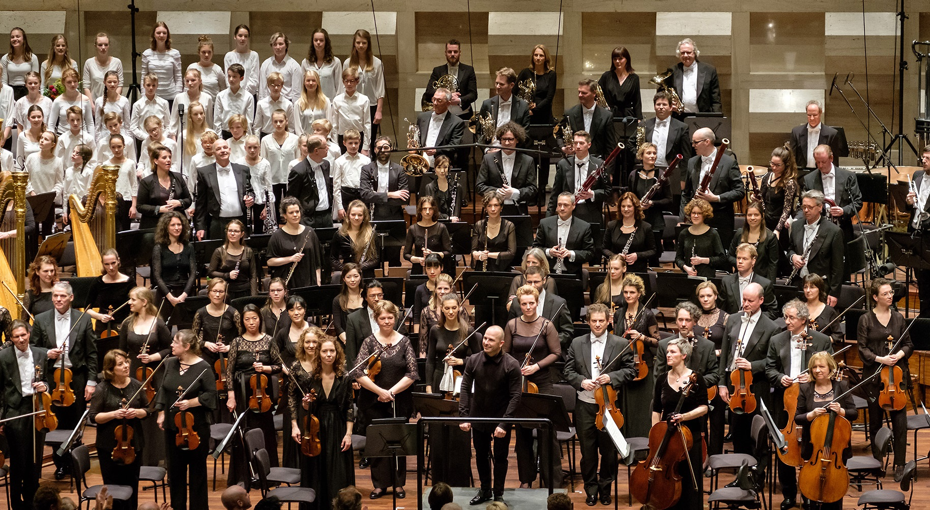 Het Nationaal Jongenskoor en het Nationaal Kinderkoor tijdens uitvoering 8e symfonie van Gustav Mahler met Rotterdams Philharmonisch Orkest o.l.v. Yannick Nézet-Séguin