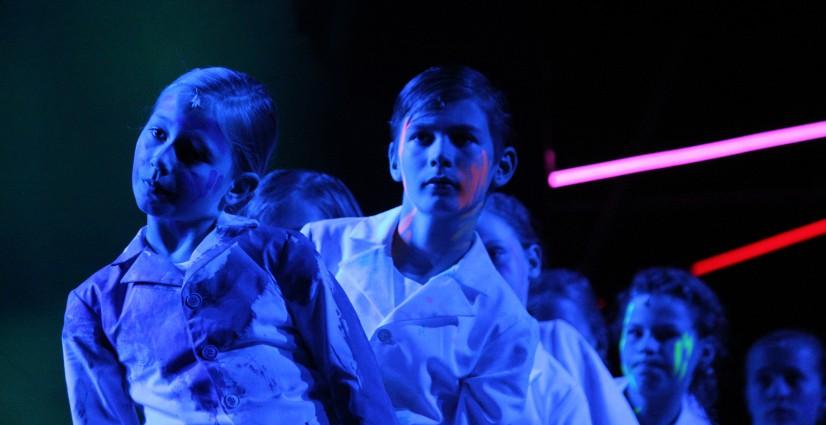 New York Times : Staggeringly talented children's choirs in 'Aus Licht'