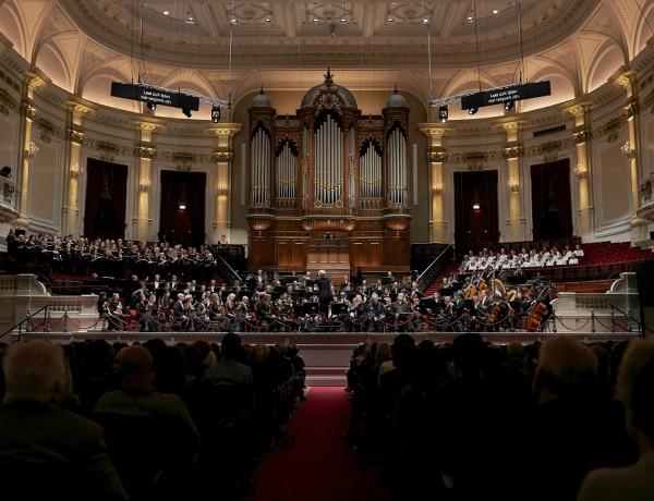 Aan de stoel gekluisterd bij War Requiem met het Koninklijk Concertgebouworkest