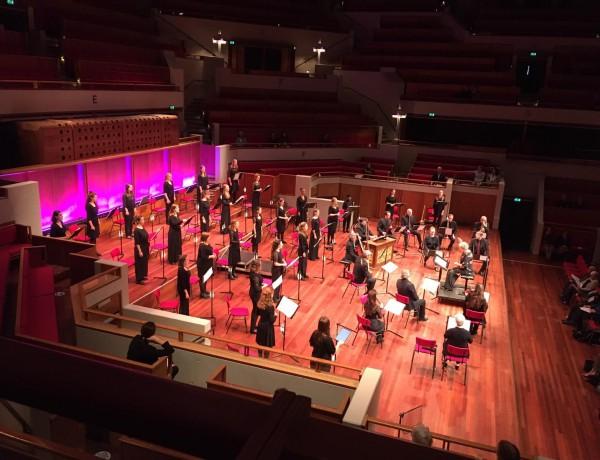 Lovende recensies voor het Nationaal Vrouwen Jeugdkoor in 'Concerte delle Suore'